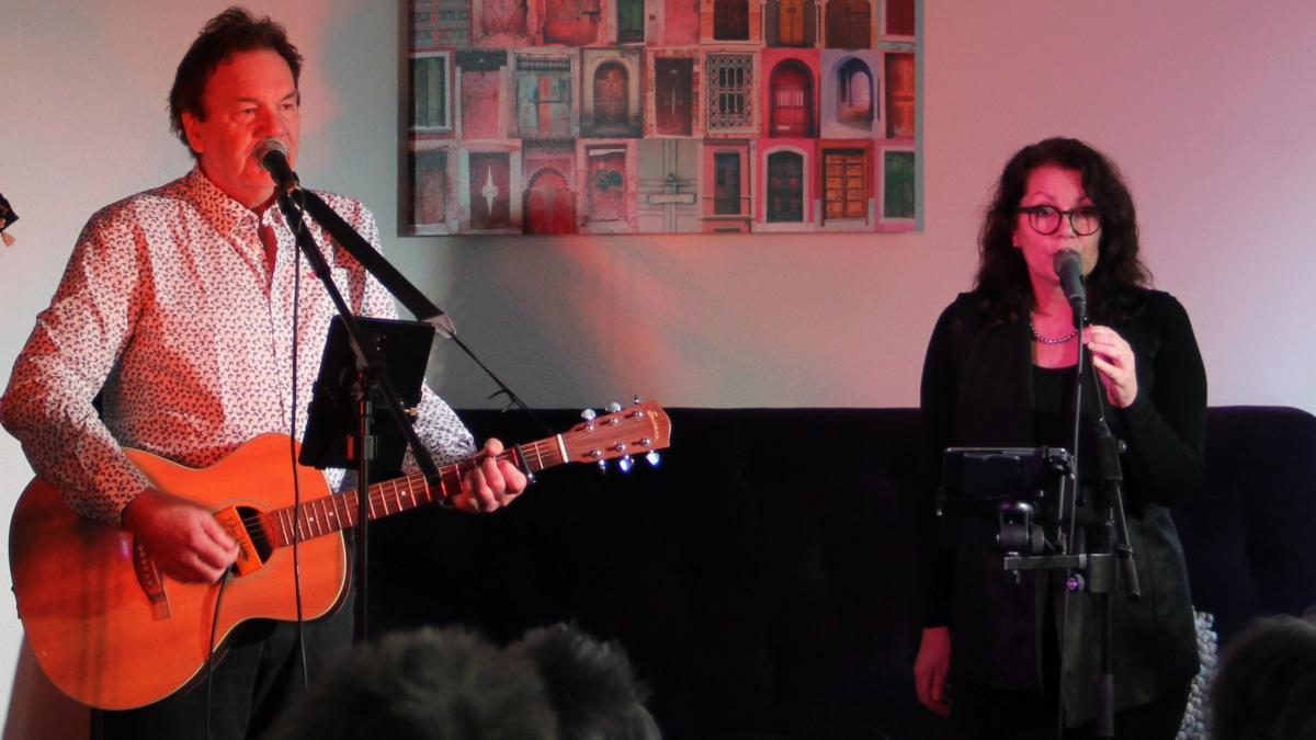 Ernst en Erna tijdens optreden